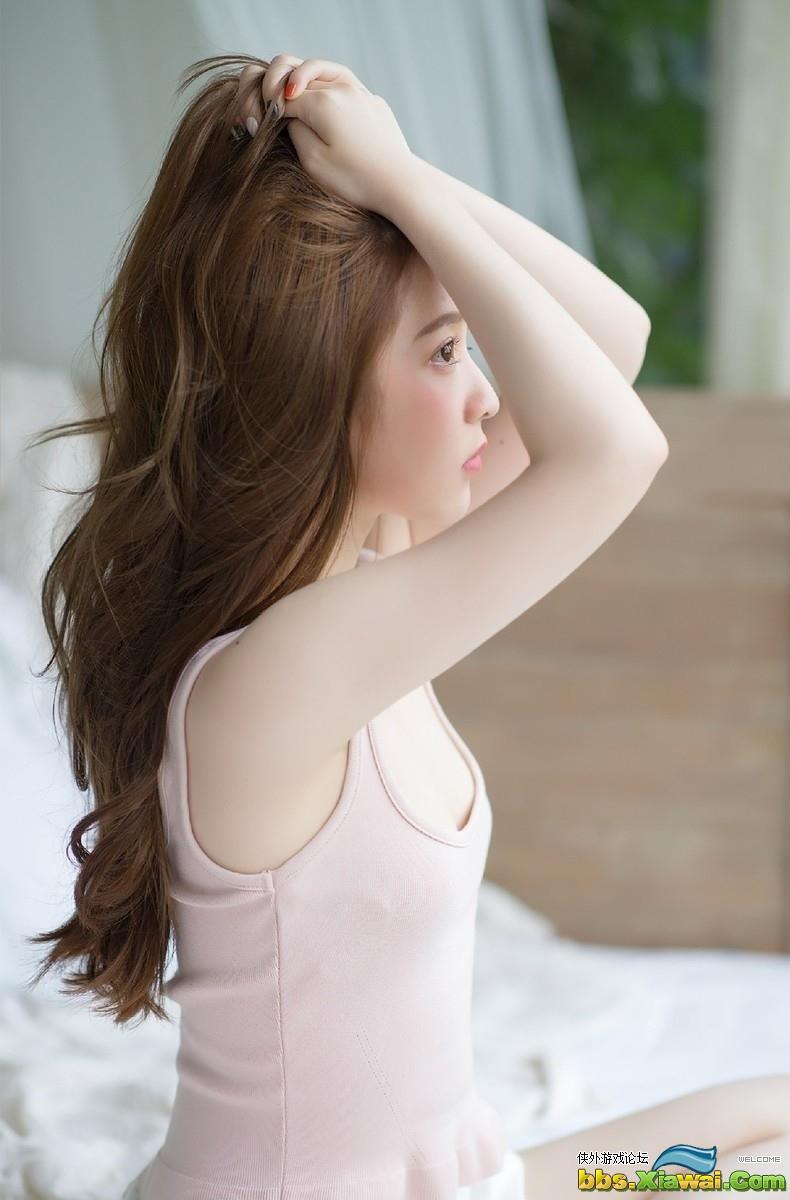 丰满美女夏希リラ比基尼自拍私房照