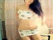 搔首弄姿,齐B小短裙韩国女主播美女热舞视频,感觉好骚!